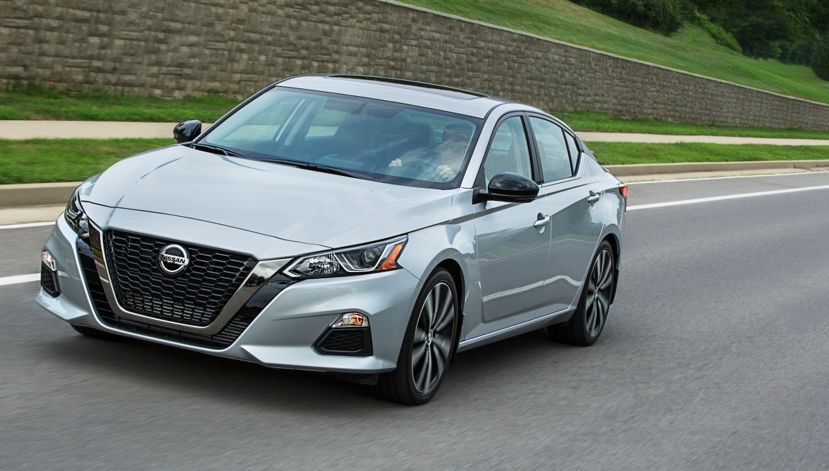Redesigned For 2019 The Nissan Altima Is S First Sedan In United States To Offer Intelligent All Wheel Drive There Are Five Trim Levels Sr